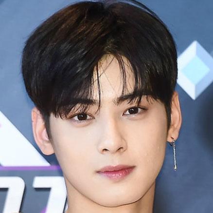 gaya rambut pria 2021 comma hairstyle