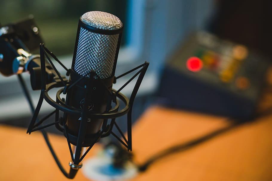 6 Peralatan Wajib Kalau Lo Mau Bikin Podcast - Gatsby