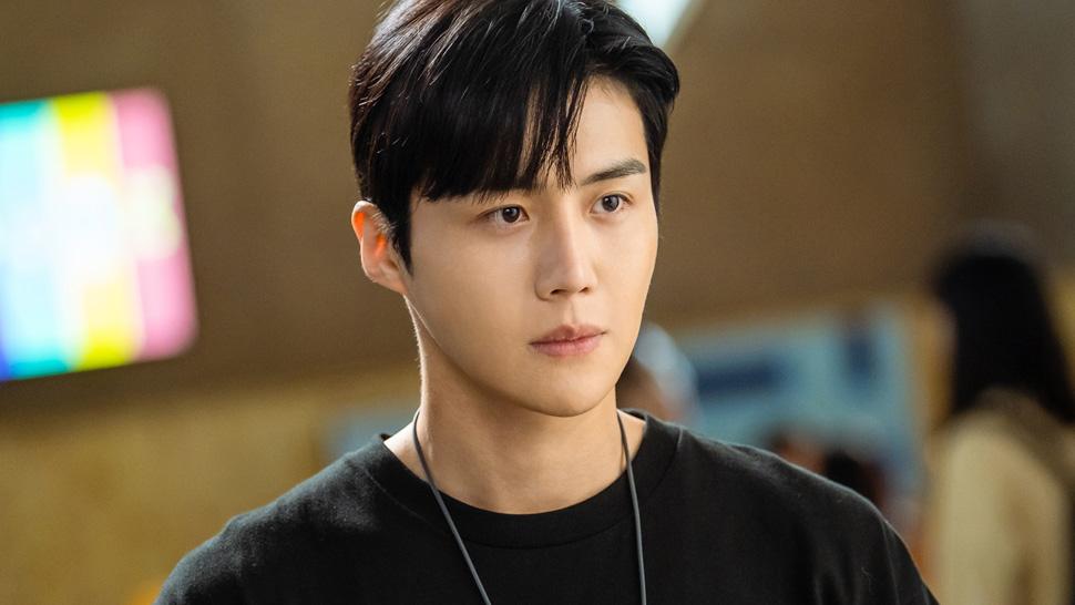 model rambut pria korea side bang