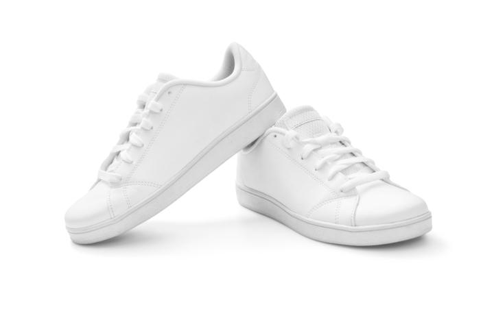 6 Cara Membersihkan Sepatu Putih Jadi Super Bersih! - Gatsby